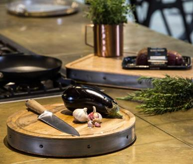 click here to view our vast range of quality cookware and utensils