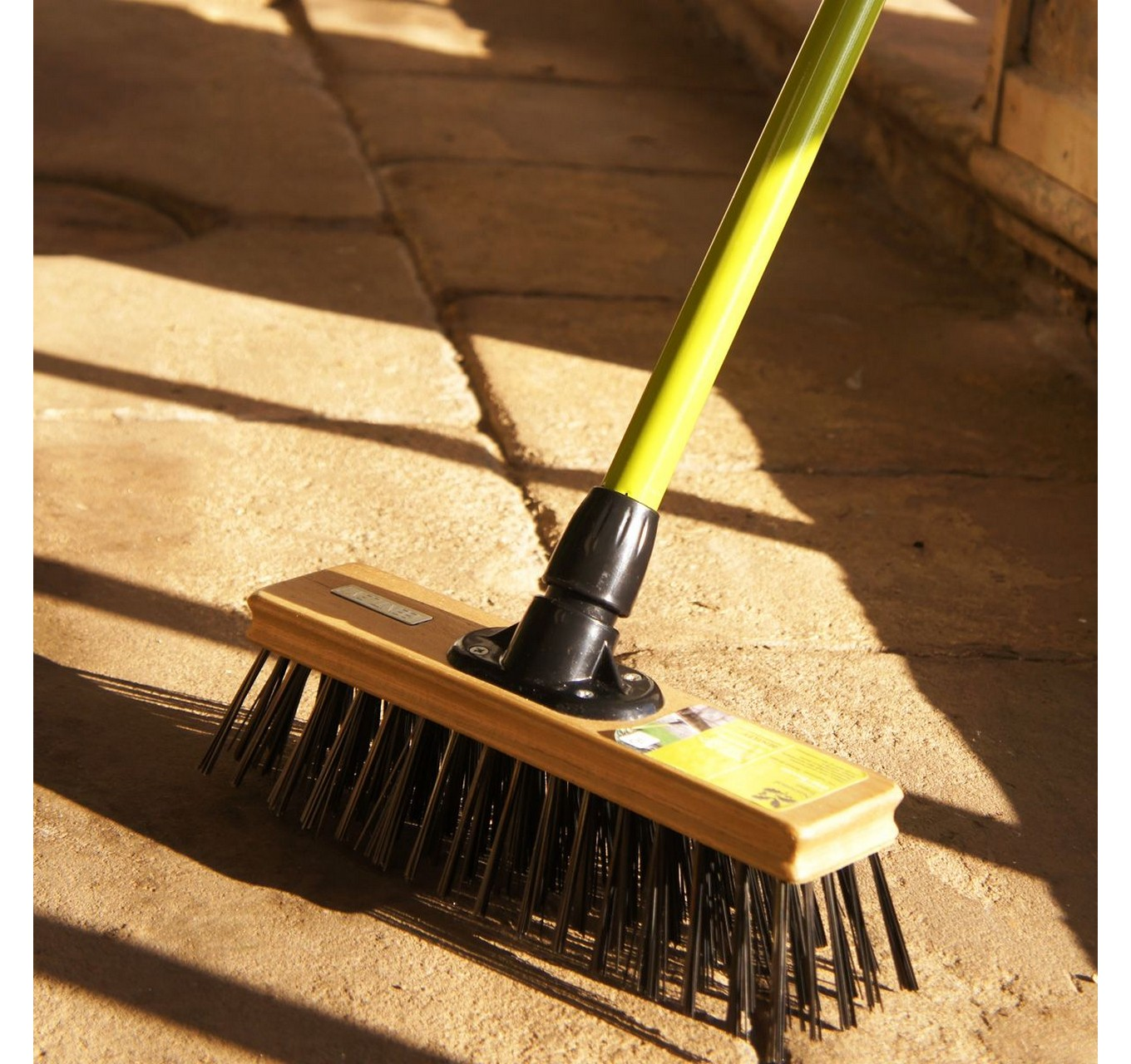 NT Wire Broom 12