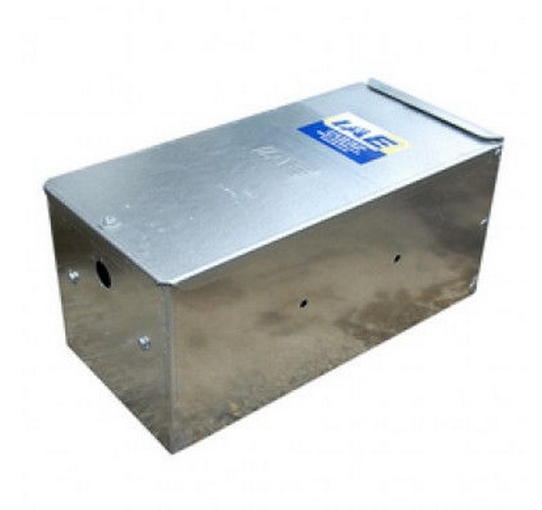 Service Box 18